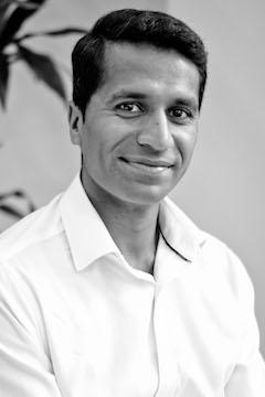 Dinesh Pari